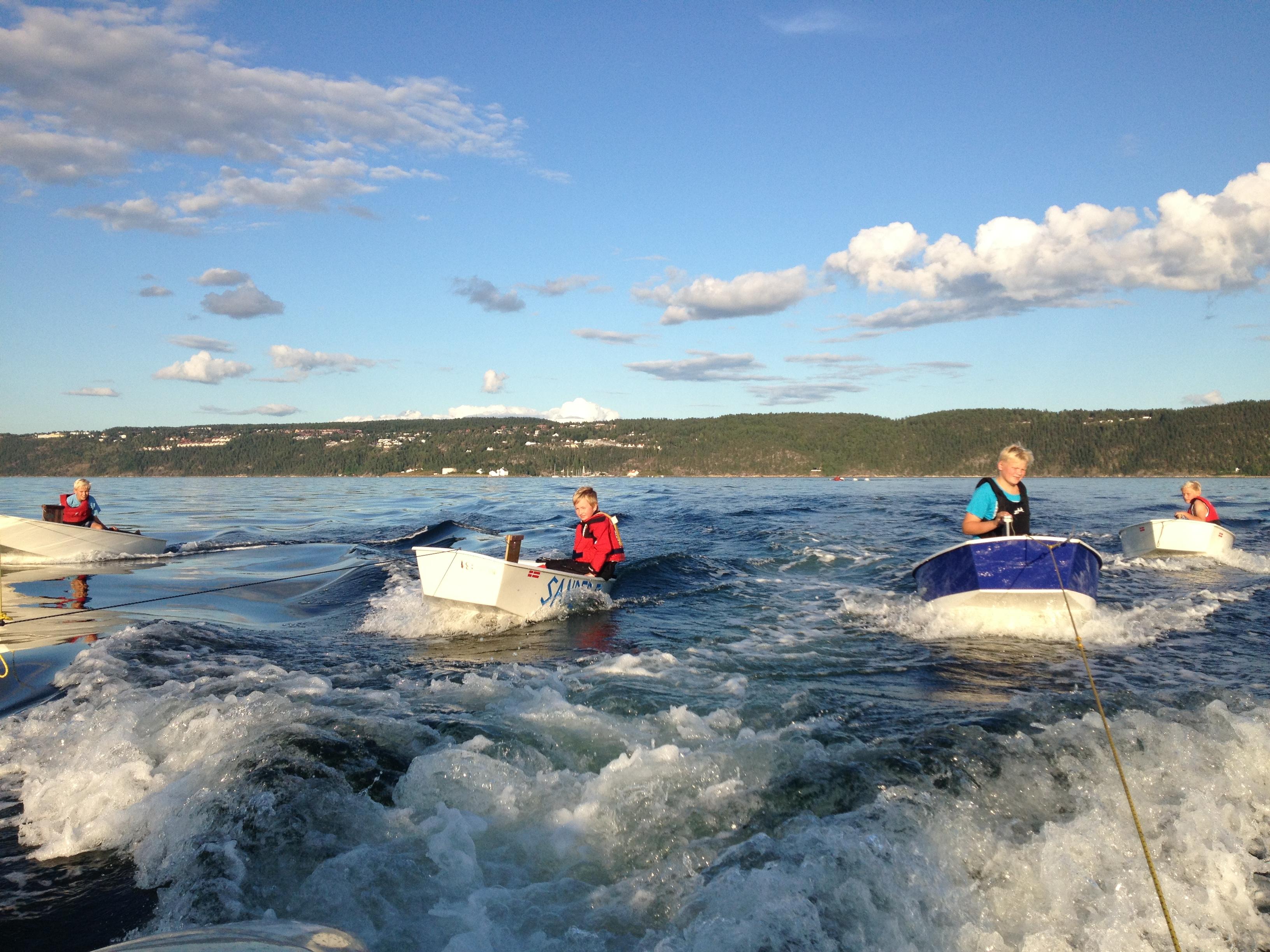 Barn på båter